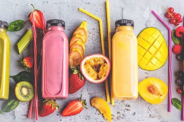 À LA MODE : LES JUS OBTENUS PAR PRESSION DIRECTE DE FRUITS ET LÉGUMES